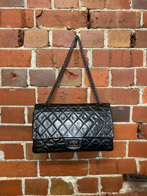 CHANEL re-issue 2.55 SIZE 227 LEATHER BAG