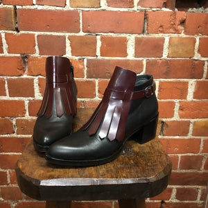 ITALIAN leather ankle boots 37