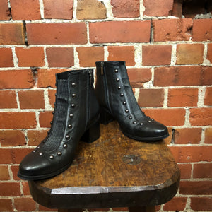 Italian leather boots 37