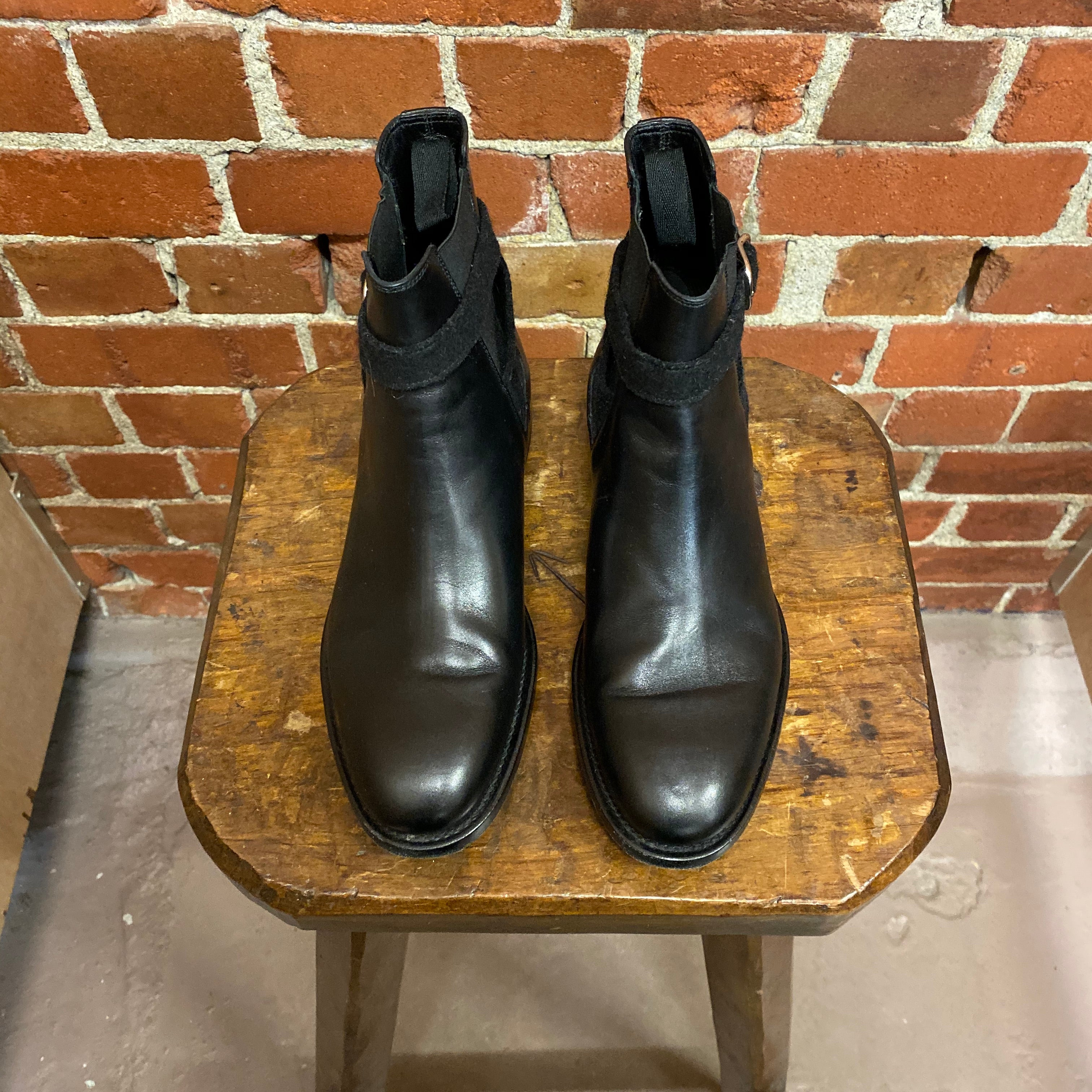 BALENCIAGA leather boots 38