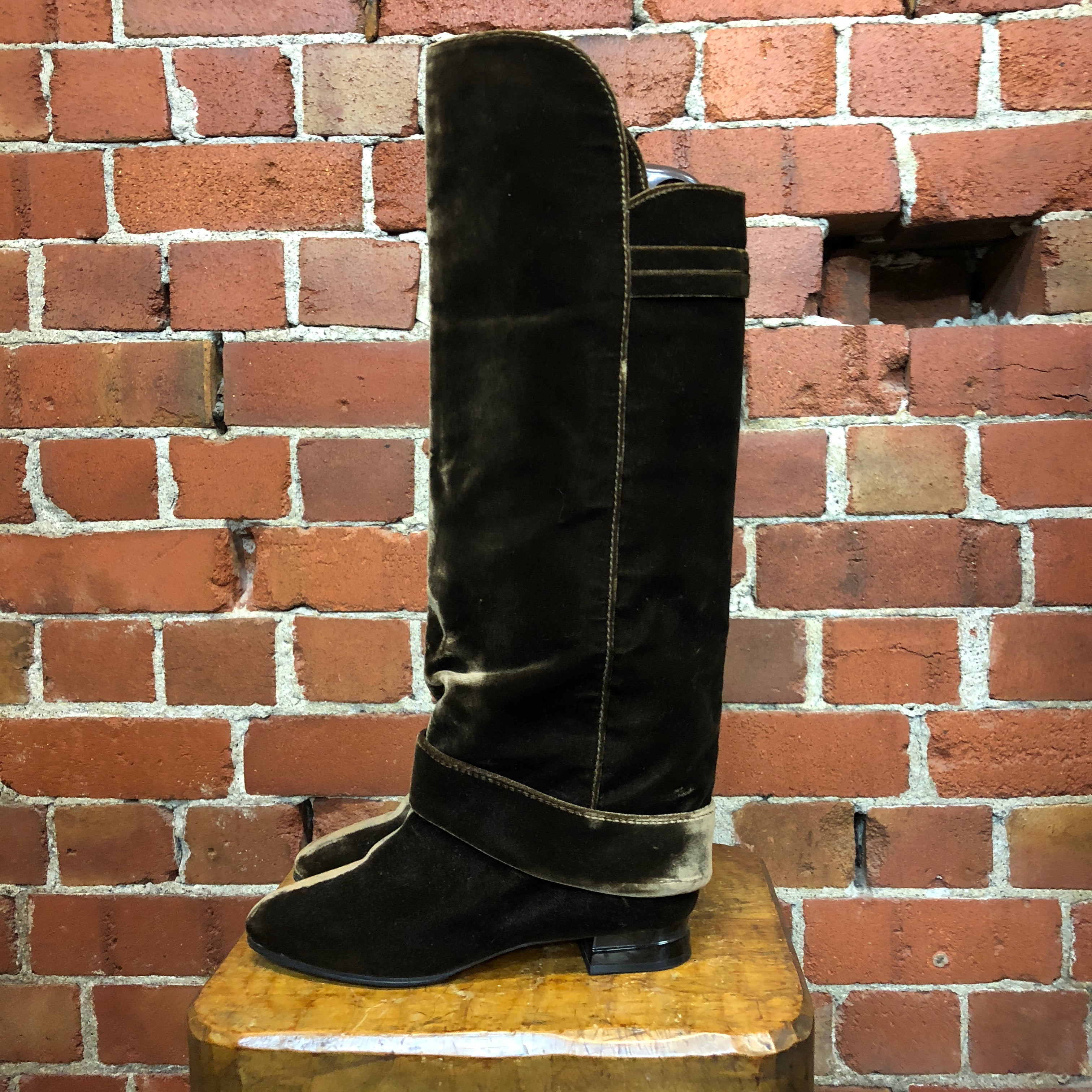 CHRISTIAN LACROIX 1980s velevt knee high boots