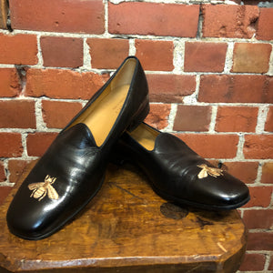 GUCCI bee embroidered leather loafers