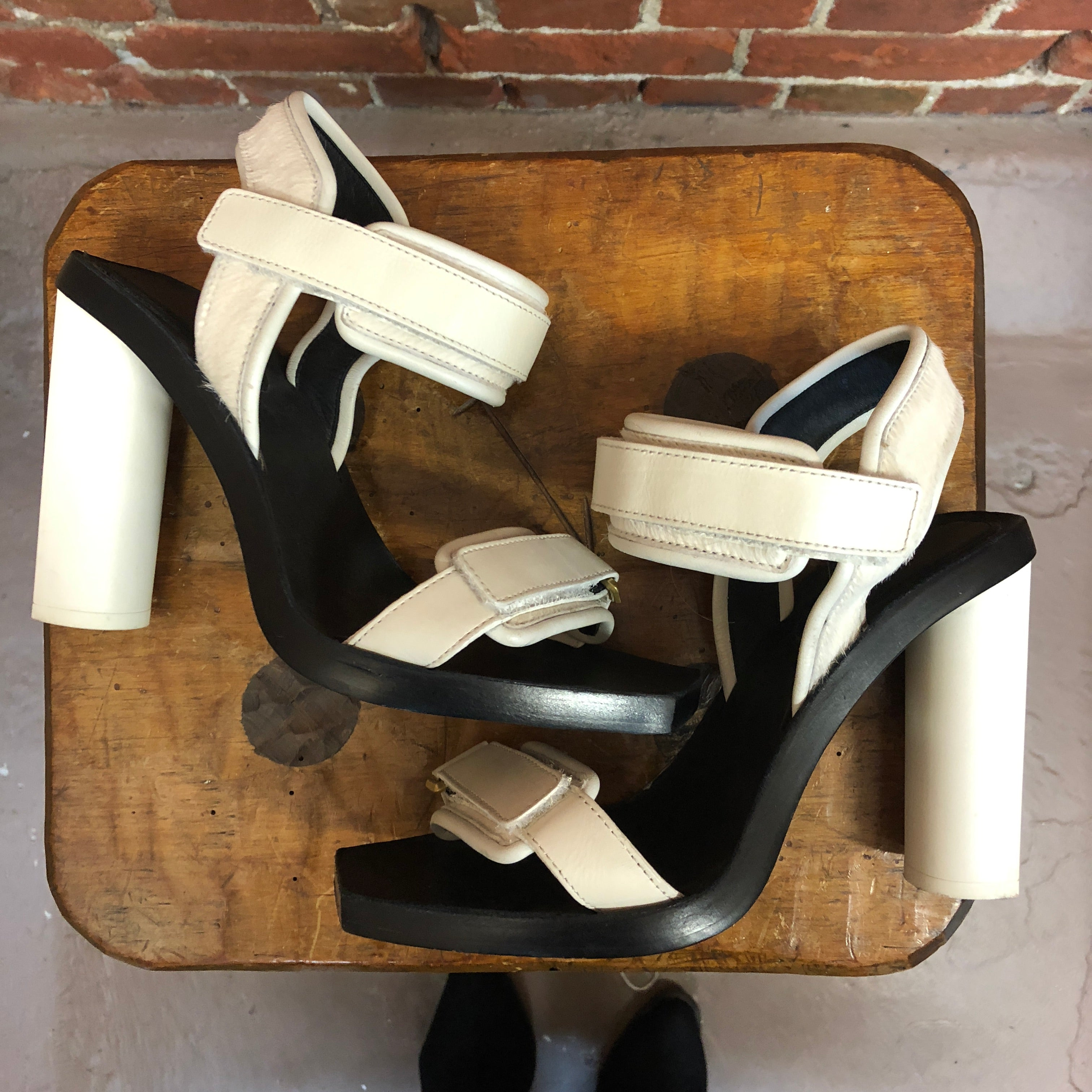 CALVIN KLEIN leather and pony hair sports heels