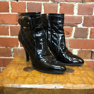 BURBERRY 36 patent leather quilted boots