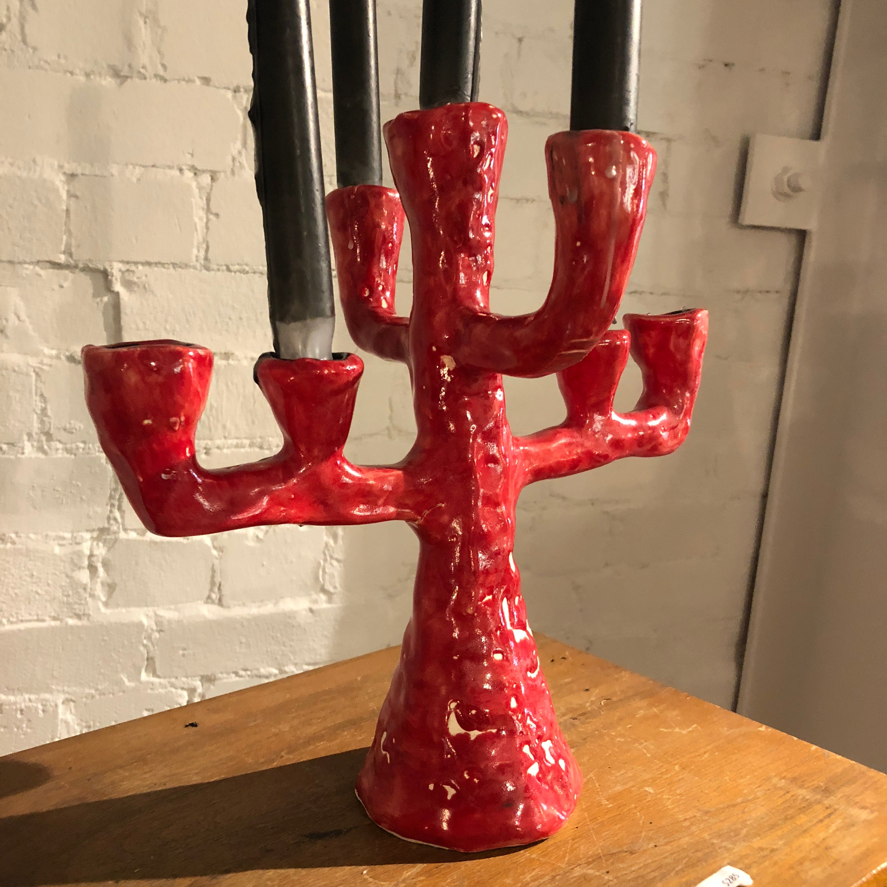 Red Shock Baroque 7' spoke candelabra