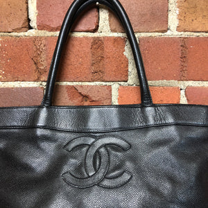 CHANEL 2000s caviar leather handbag