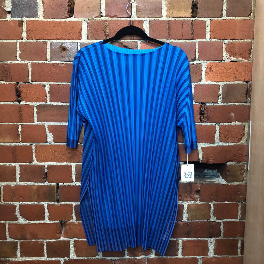 ISSEY MIYAKE Pleats Please New oversize top