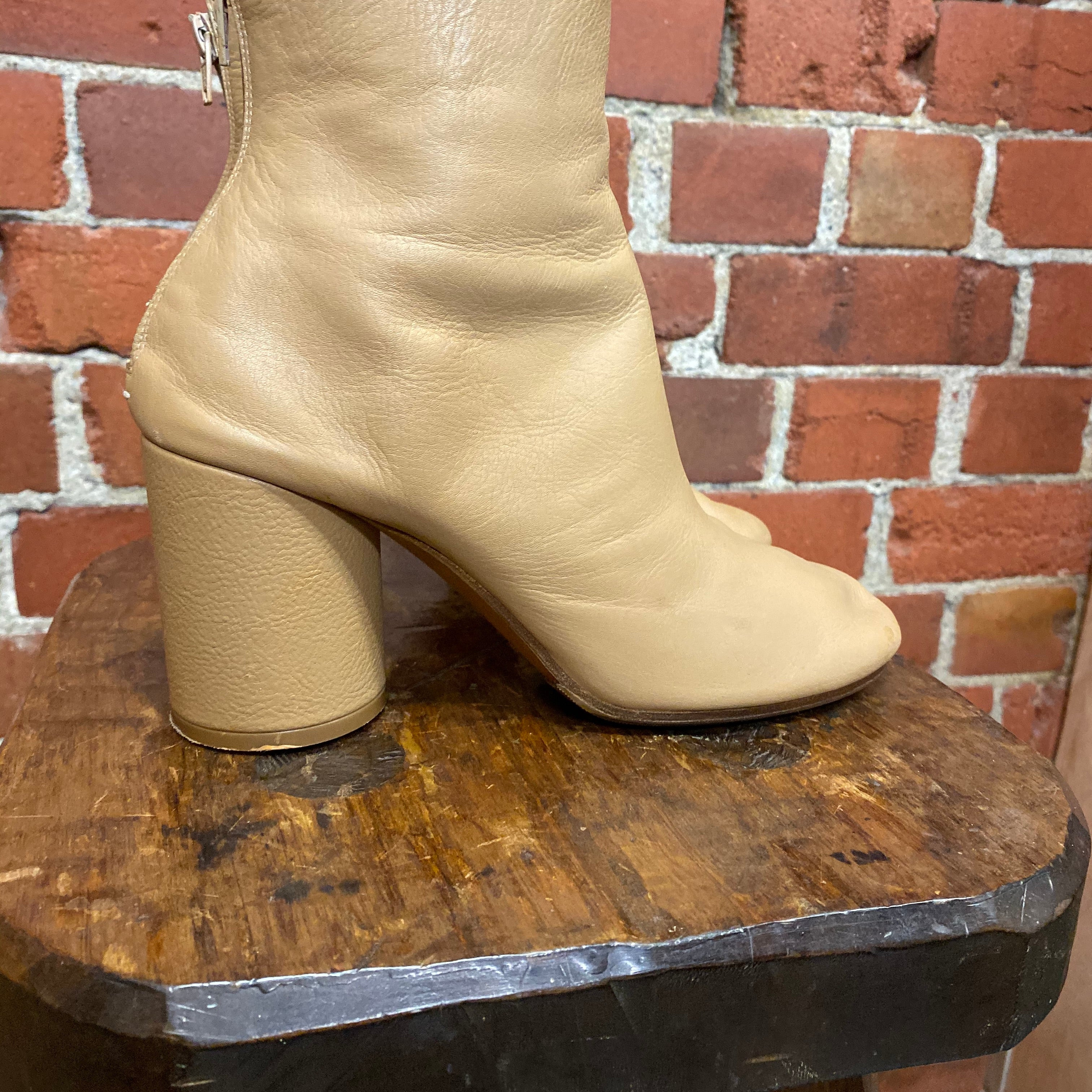 MARTIN MARGIELA leather boots 39