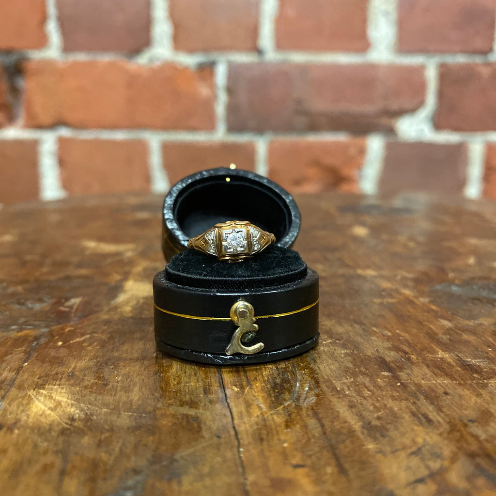 1920s 14K gold and diamond ring