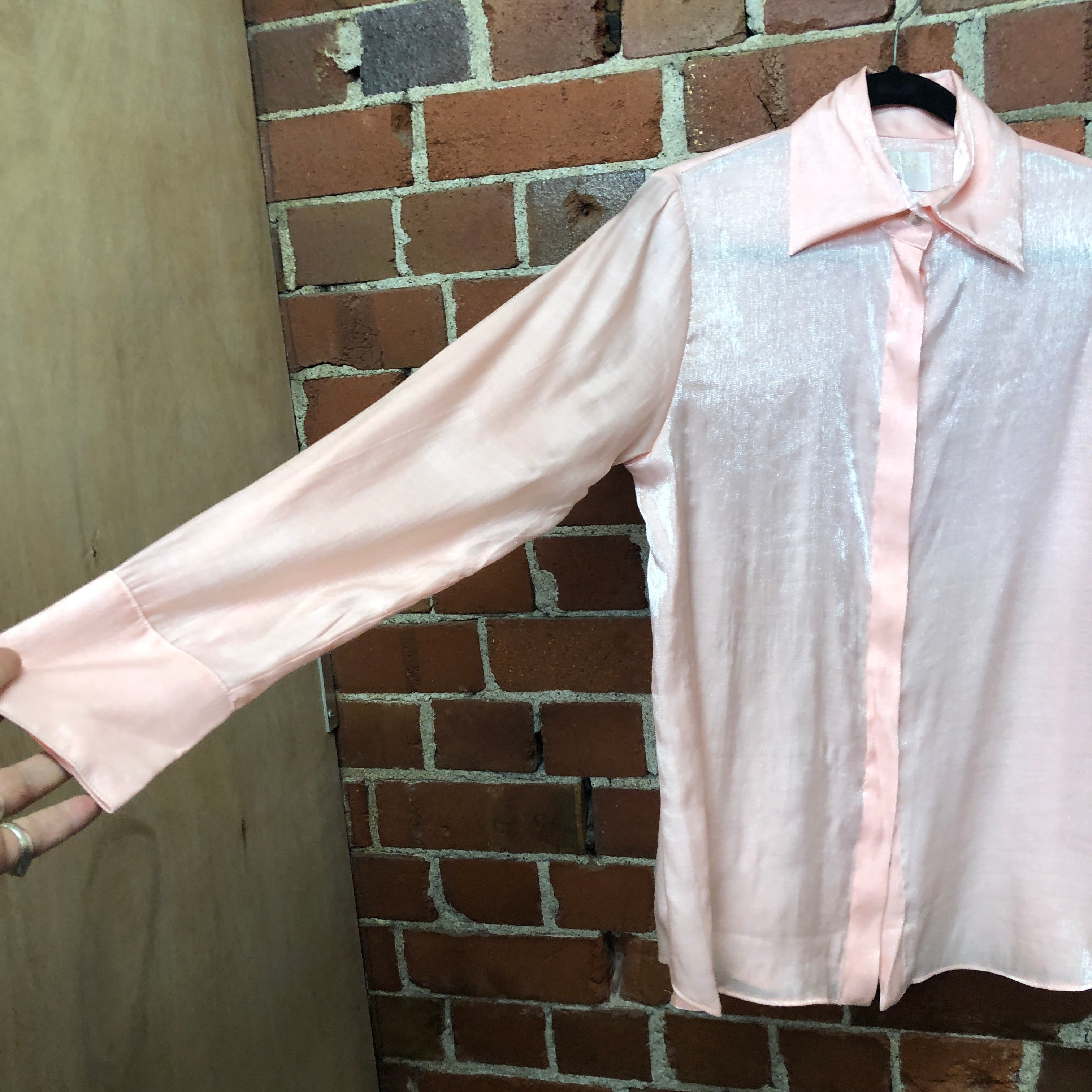 HARRIS TAPPER pink shirt