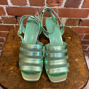 Metallic leather and mesh sandals 39