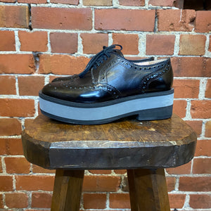 ROBERT CLERGIERE leather brogues 38