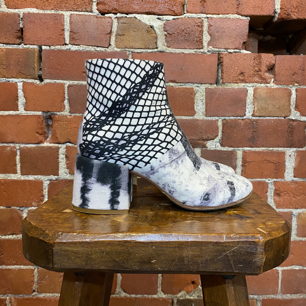 MM6 MARTIN MARGIELA  fabric boots