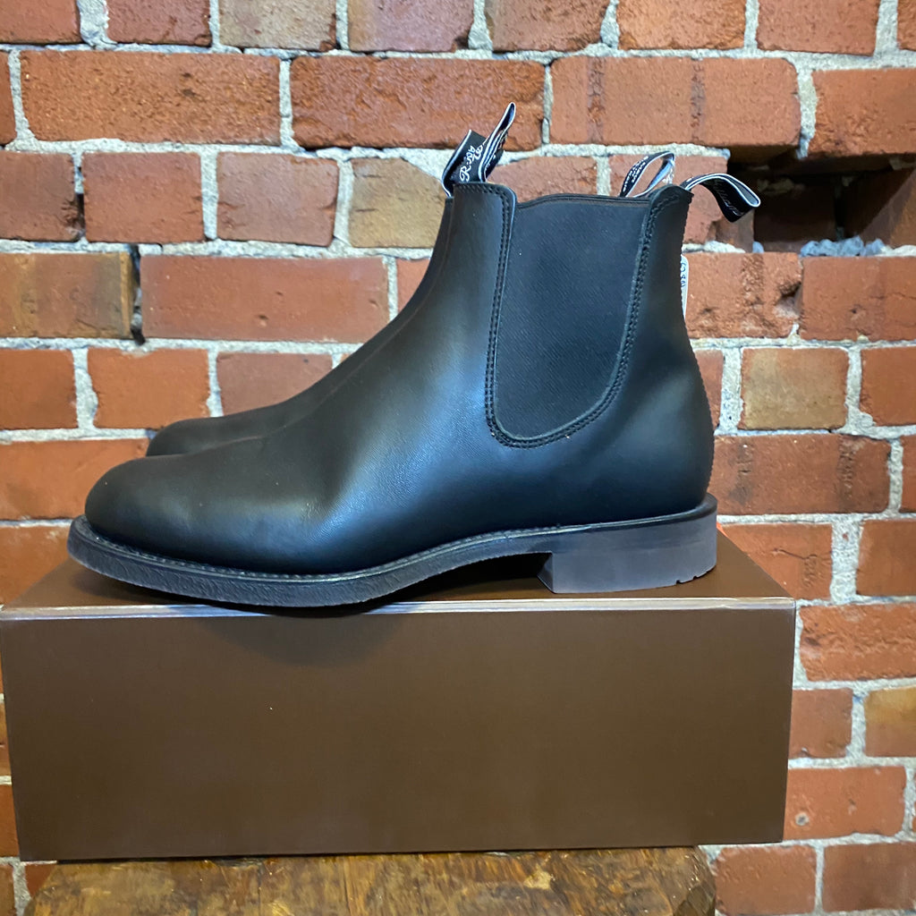 RM WILLIAMS leather boots
