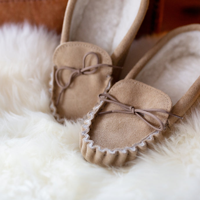 sheepskin slippers, ladies sheepskin slippers, luxury gifts for her, hygge gift sets, Christmas gift