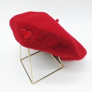beret-rouge-coeur-rouge-laine-gili-amour