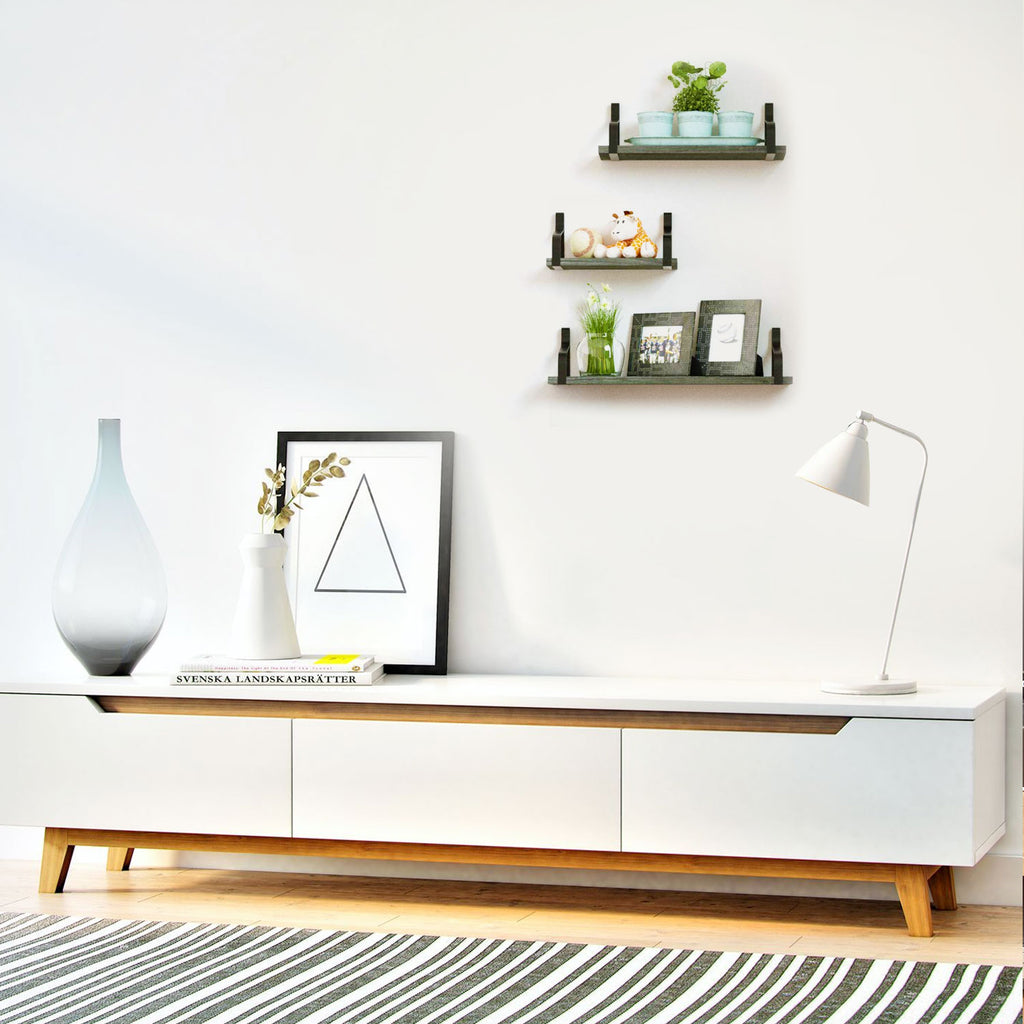 Simple display wooden shelves