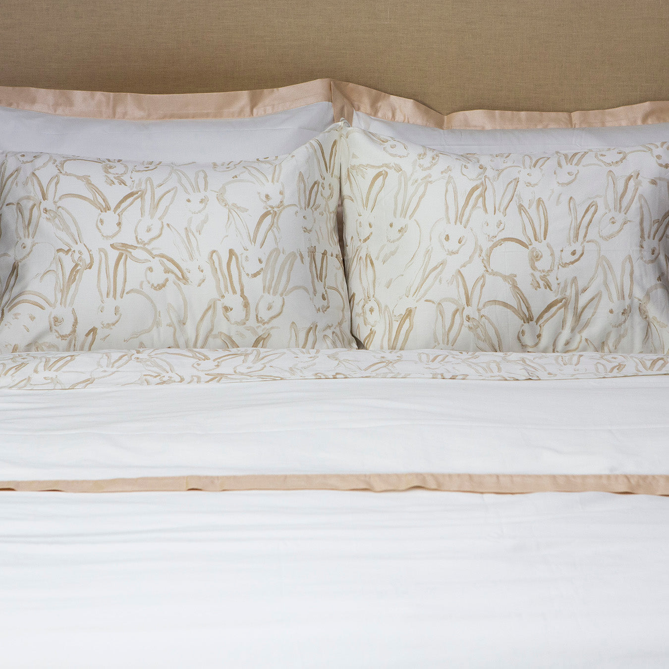 Rabbit Run Sheet Set in Gold