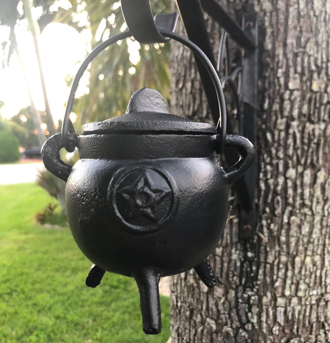 "Pentagram Cauldron Cast Iron- 3"" H x 2.75"""