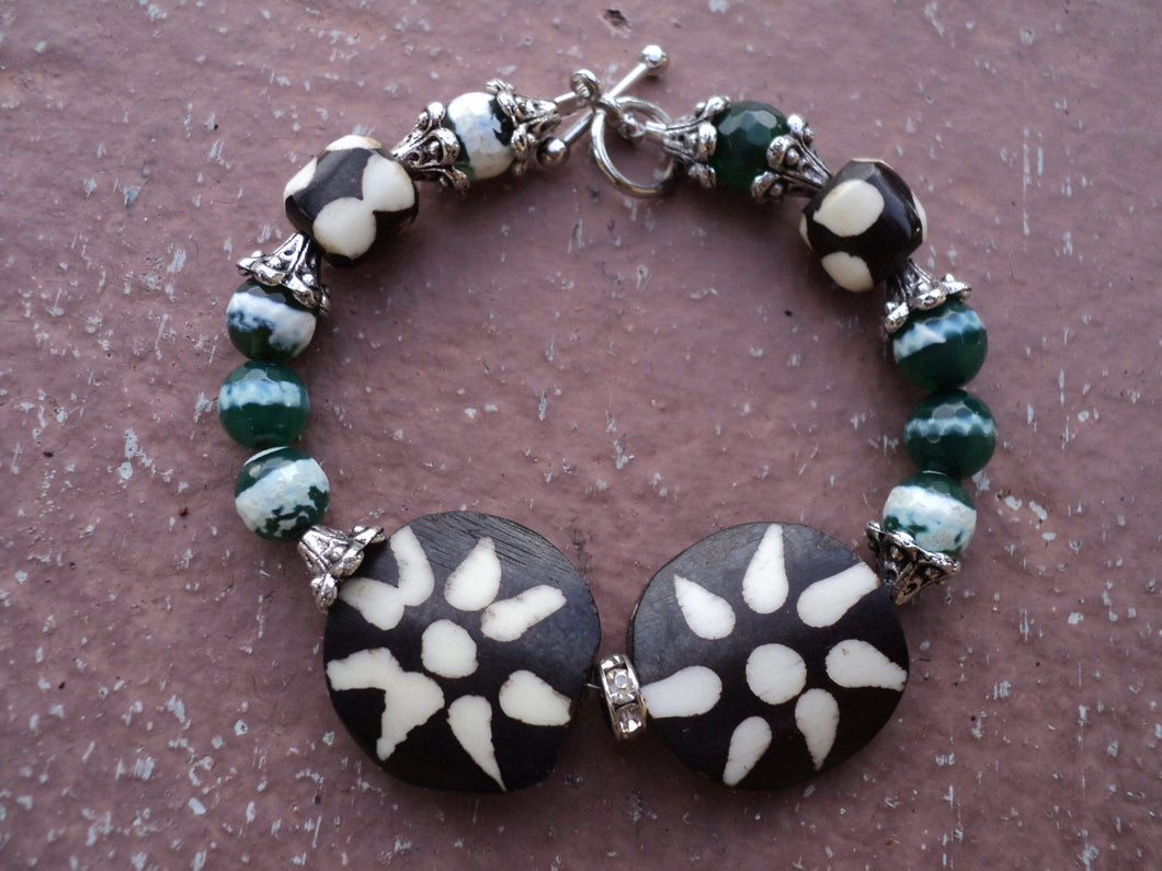 Bone and agate Bracelet