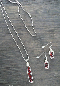 Messy wire wrap  red necklace set, wire wrapped red pendant and earrings