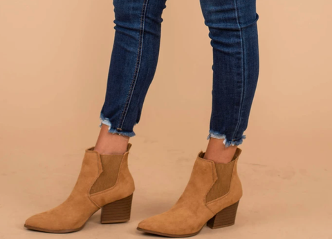tan suede boots with jeans