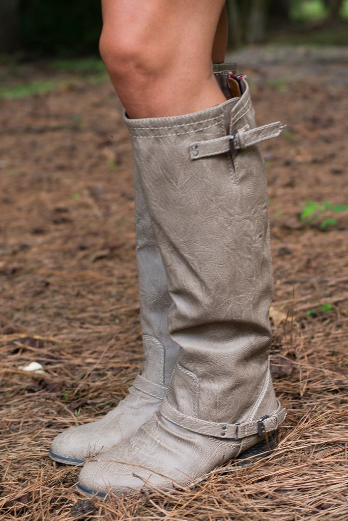 The Cassidy Boot, Beige