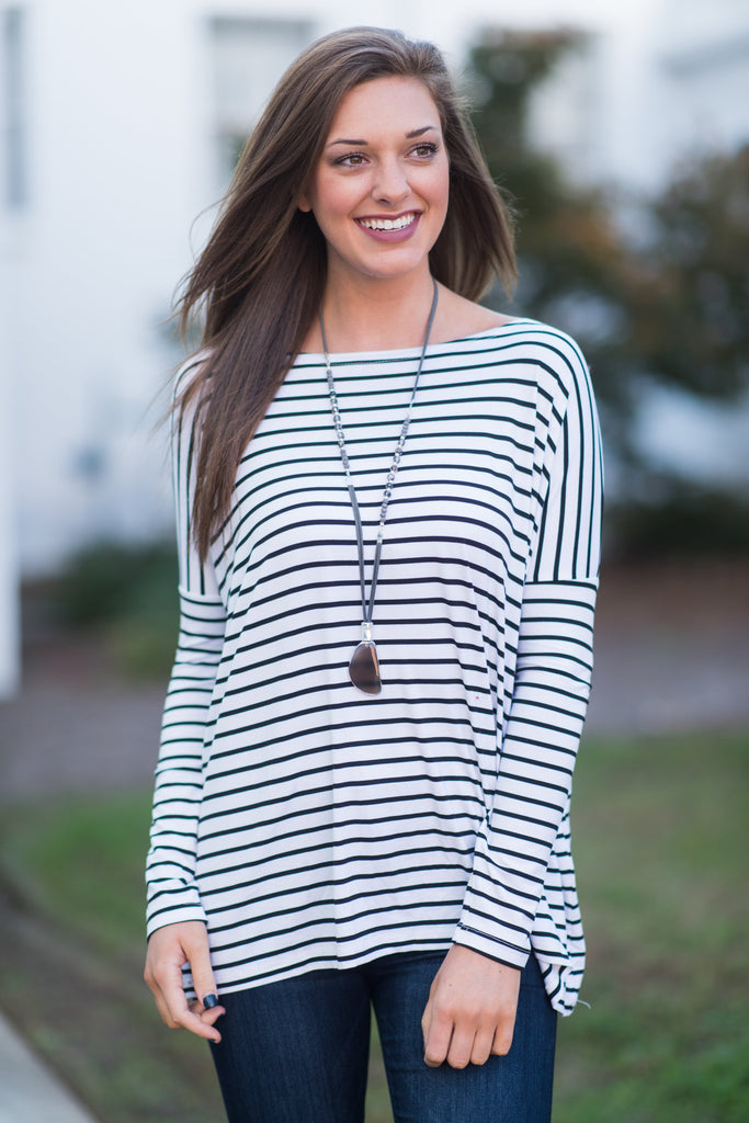 Jump In Line Piko Top, White-Black