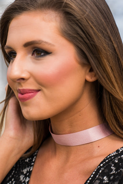 Going My Own Way Choker, Pink