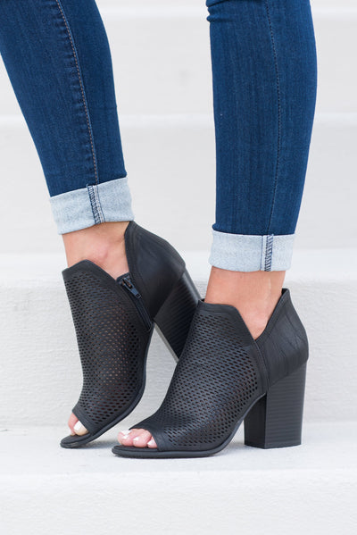 Chic Situations Heels, Black