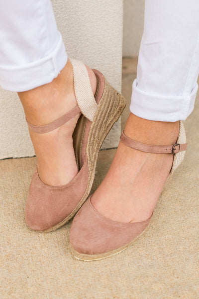 Travel And Tour Wedges, Blush