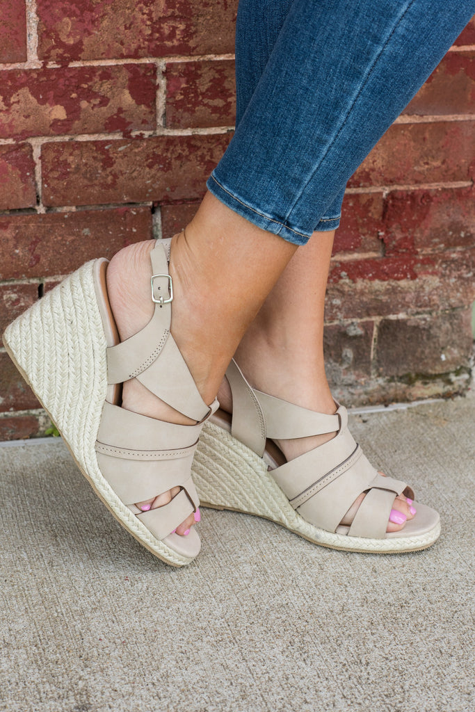 Dreamy Design Wedges, Light Tan