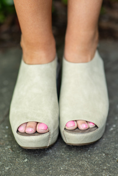 Keep It Extra Wedges, Nude