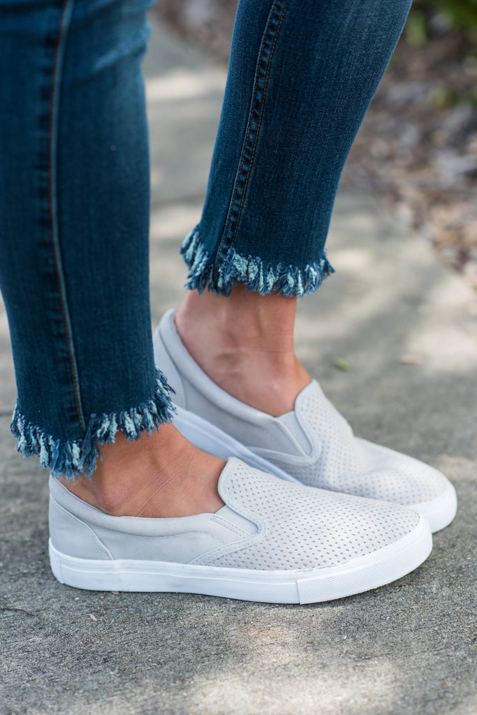 sneakers, shoes, slip-on shoes, slip-on sneakers, light gray sneakers, light gray shoes, light gray slip-on sneakers, light gray slip-on shoes, closed toe shoes, gray closed toe shoes, casual shoes,