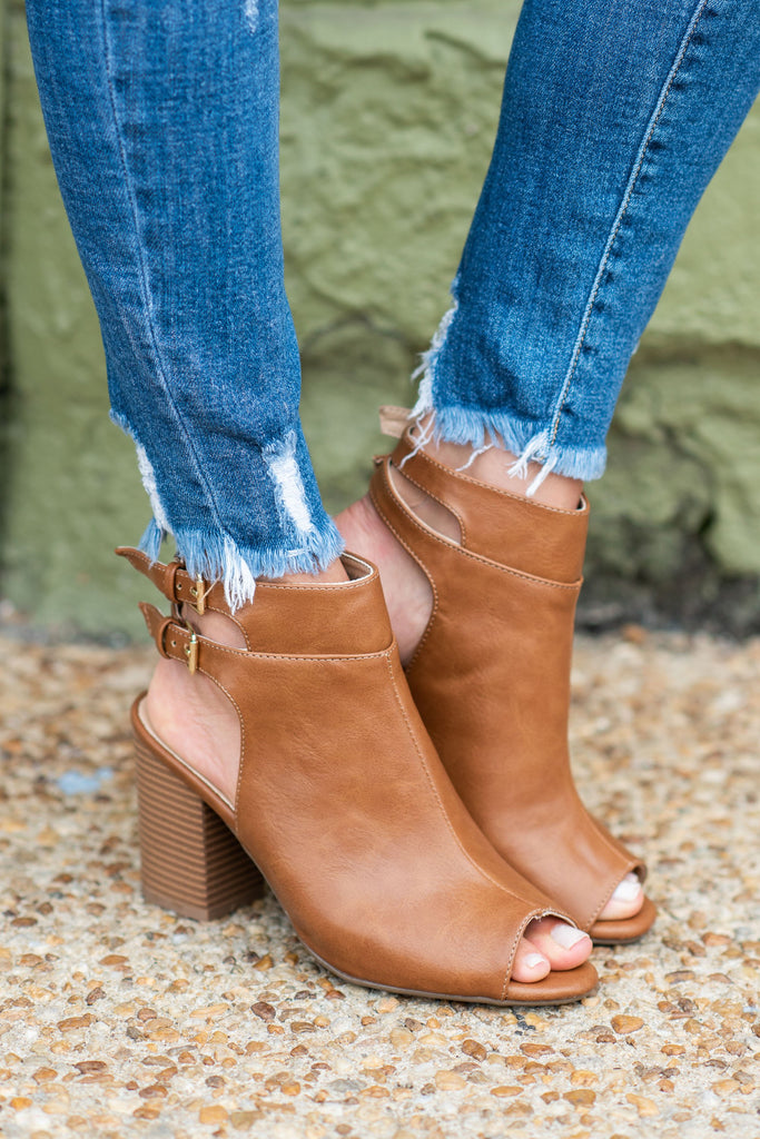 shoes, booties, fall, winter, heels, short heels, tan, brown, open heel, open toed, solid