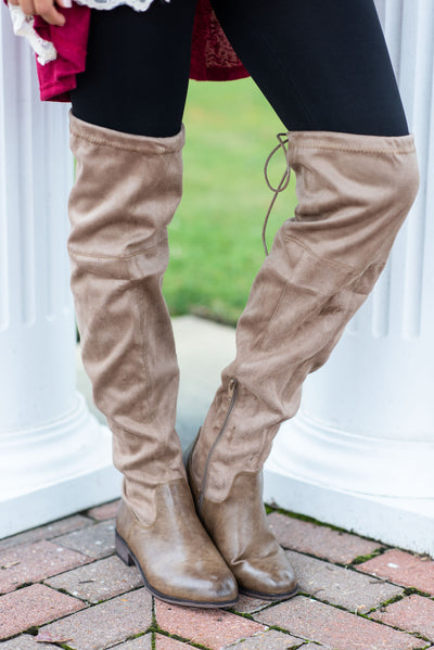 Living For Fab Boots, Taupe