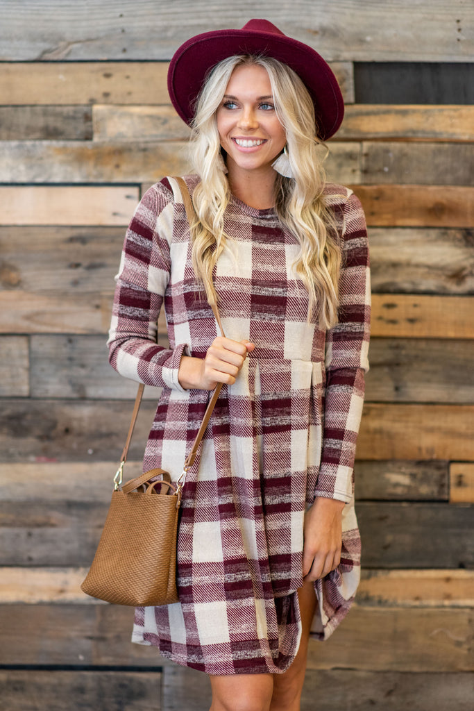 dress, round neckline, long sleeves, pockets, plaid print, burgundy, comfy, casual