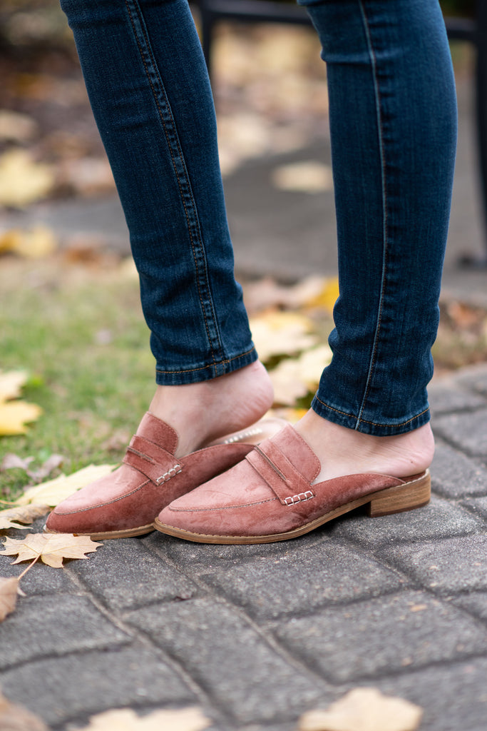 shoes, mules, flats, slip on, fall, winter, pointy, solid, copper, trendy, shopping, everyday, light, neutral, pink