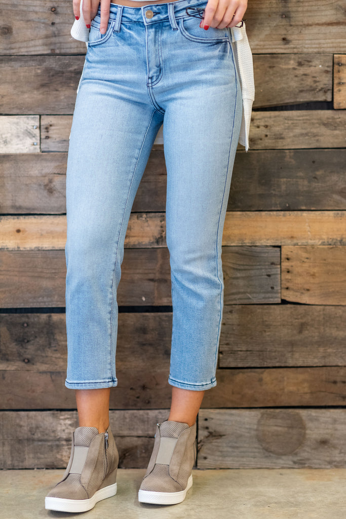 shutter Decision Temple  All I Really Want Skinny Jeans, Light Wash – The Mint Julep Boutique
