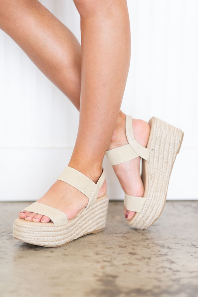 Leading The Way Wedges, Nude