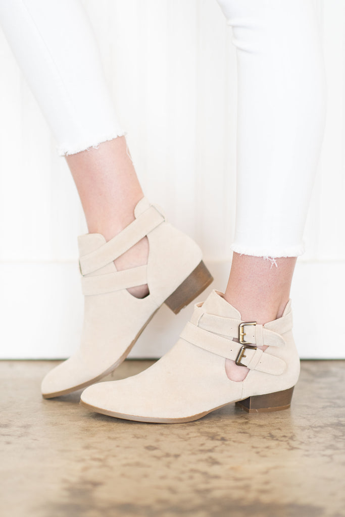 Chic Analysis Booties, Ice