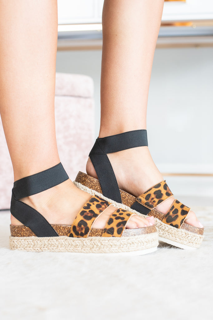 shoes, sandals, leopard print, leopard printed shoes, black and brown, chic sandals, trendy sandals, platform sandals, comfy, easy to style