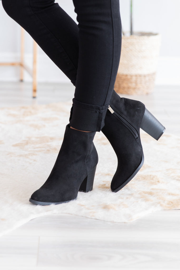 shoes, booties, heeled booties, solid, solid booties, black, black booties, stylish, bold, sassy, everyday, shopping, work, fall, fall booties, easy to style, comfy, comfy booties