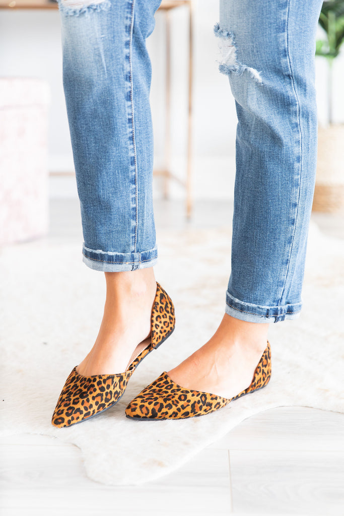 shoes, flats, leopard print, leopard printed flats, animal print, animal printed flats, brown, black, brown and black flats, fall, fall flats, summer, summer flats, comfy, simple, sassy, everyday, work, shopping