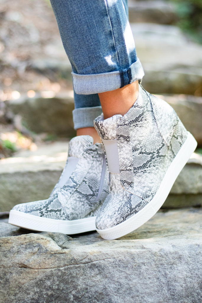 shoes, sneakers, snakeskin, fall, edgy, chic, side zip shoes, wedge heel shoes, solid color shoes, gray, gray shoes, gray snakeskin shoes