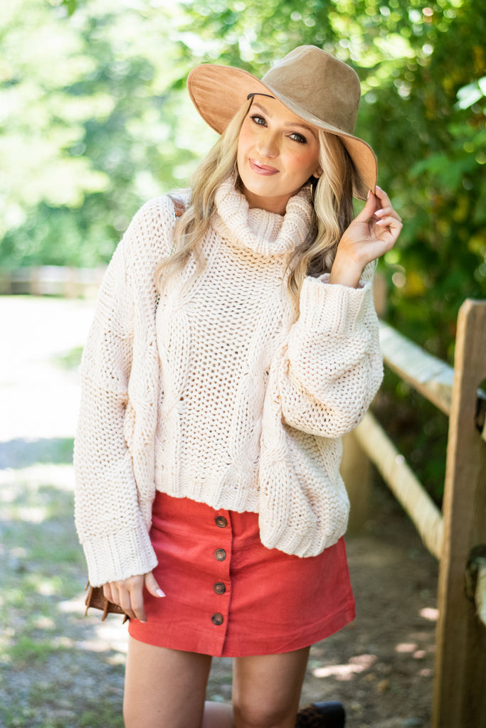 sweater, turtleneck sweater, turtleneck, cozy sweater, cable knit fabric, long sleeve sweater, oversize fit sweater, fall, fall sweater, white, white sweater white fall sweater