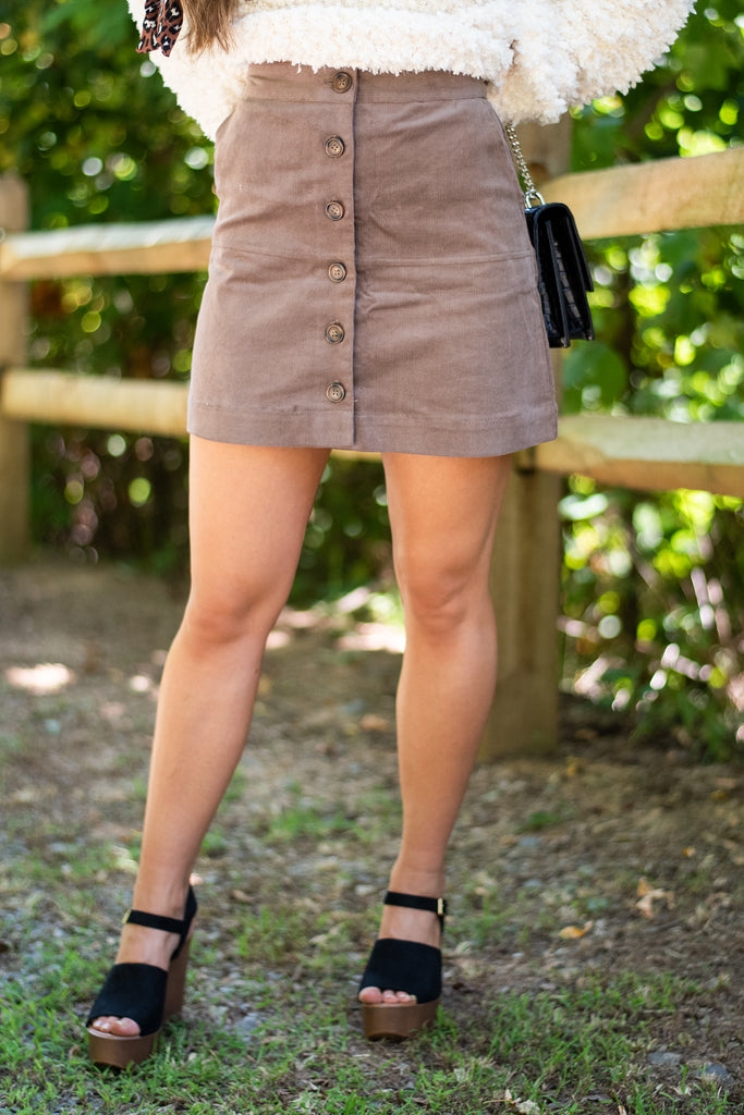 skirt, fall skirt, skirt with button front closure, pockets, skirt with pockets, skirt with high waist, cute, cute skirt, button, skirt with buttons, generous stretch skirt, brown, brown skirt, fall skirt fall colors