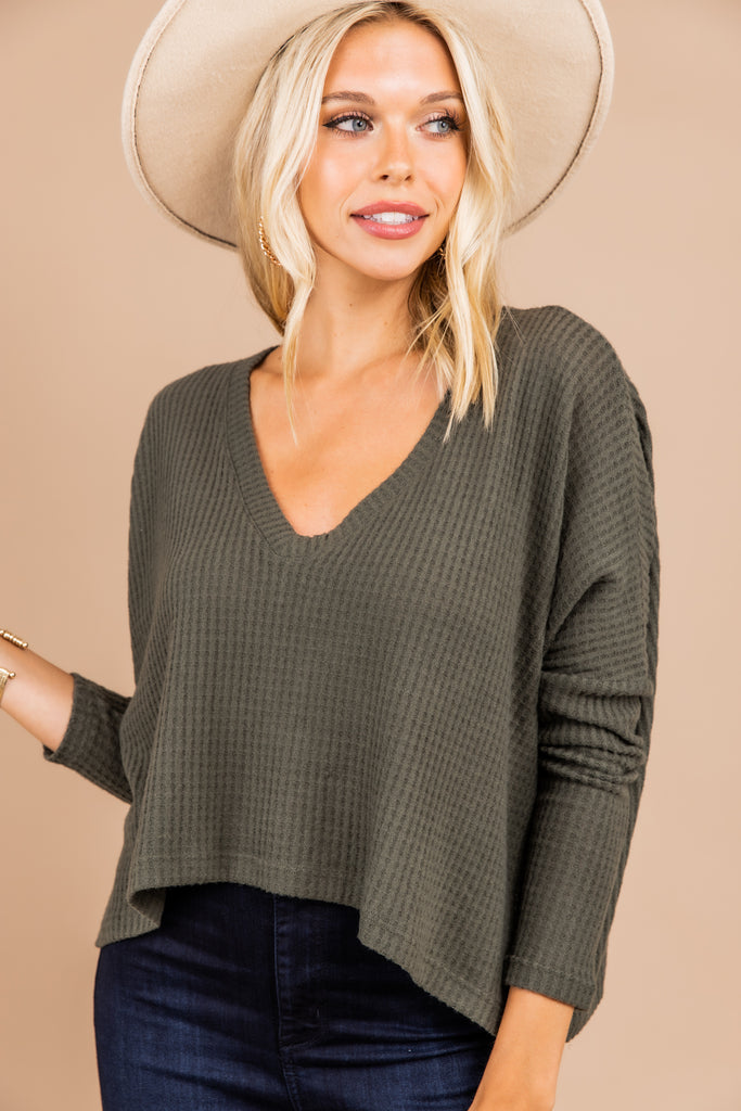 cropped hemline, v-neckline, long sleeves olive green, crop top, top,