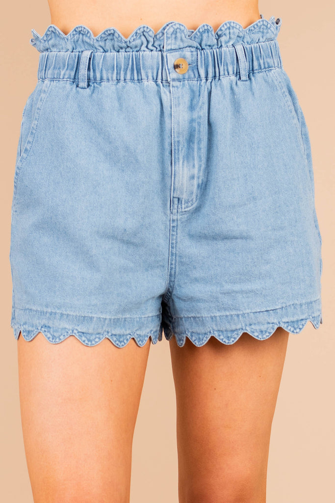 Shorts, scalloped shorts, denim shorts, elastic waistline, scalloped, dark wash