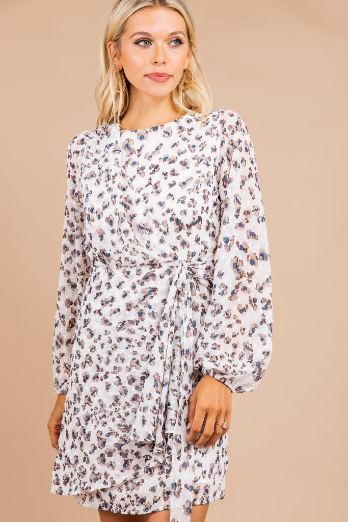 round neckline, long sleeves, tied waist, white, leopard print, dress, leopard dress